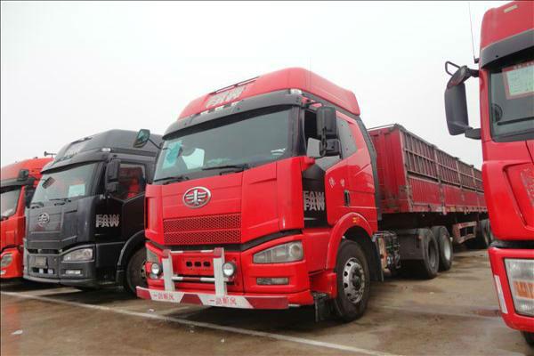 2011年11月 二手解放J6二手货车双驱牵引车头 价格14.5万元