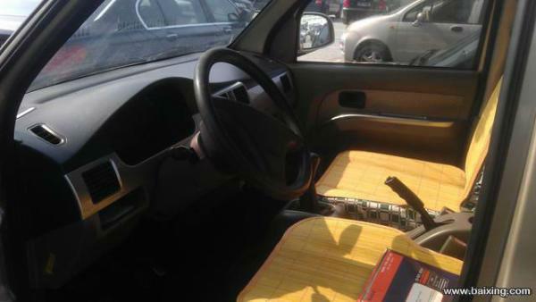 二手五菱 五菱荣光 本人有一辆2010年五菱荣光面包车低价出售