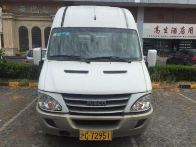 依维柯 宝迪  A42 3.0T 柴油版 17座