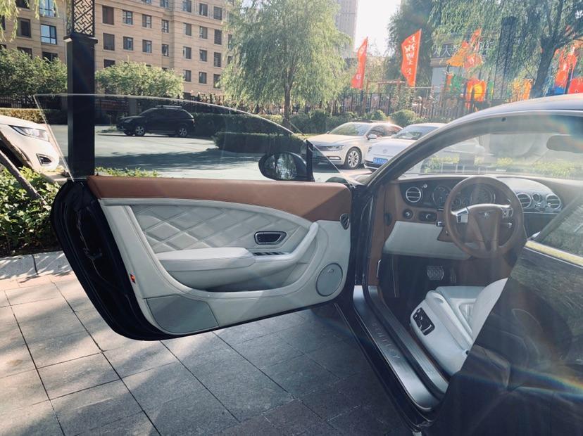 宾利 欧陆  2014款 4.0T GT V8 S 尊贵版图片