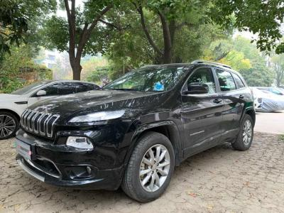 Jeep 自由光  2017款 2.4L 专业智能版