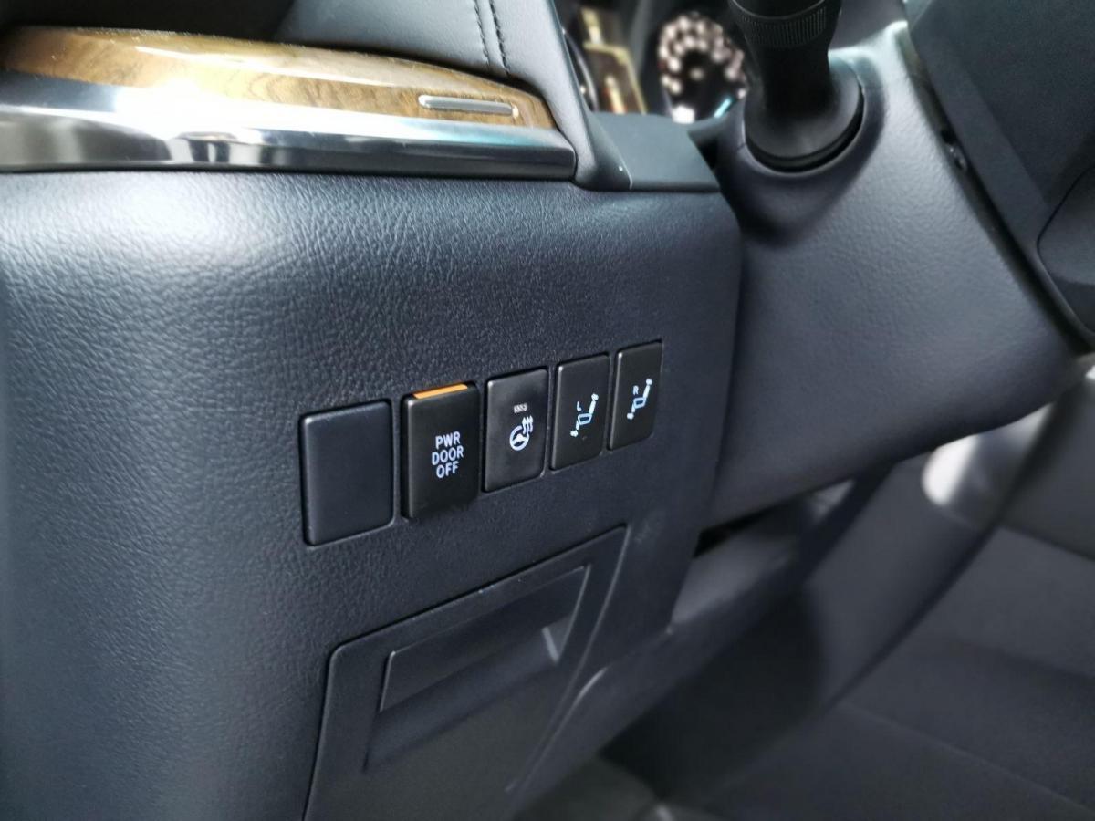 丰田 埃尔法 2017款 3.5L 尊贵版 中东版图片