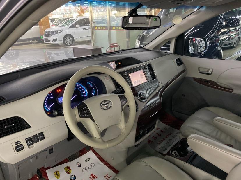 丰田 塞纳  2011款 3.5L 四驱自动型图片
