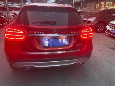 奔驰 奔驰GLA GLA 220 4MATIC 豪华型图片