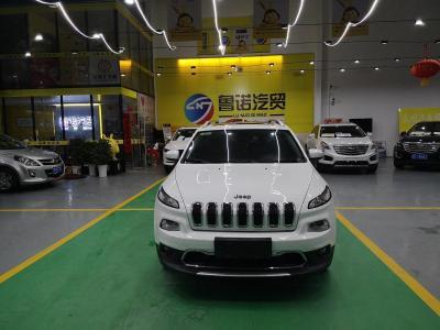 Jeep 自由光 2.4L 领先版图片