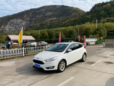 福特 福克斯 三厢 EcoBoost 125 自动超能风尚型智行版图片