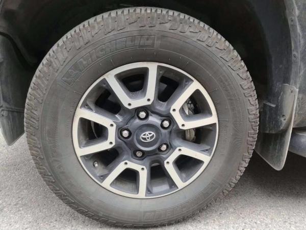 丰田 坦途  5.7 标准版图片