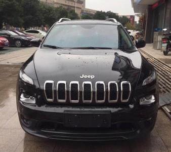 Jeep 自由光  2.0 优越版图片