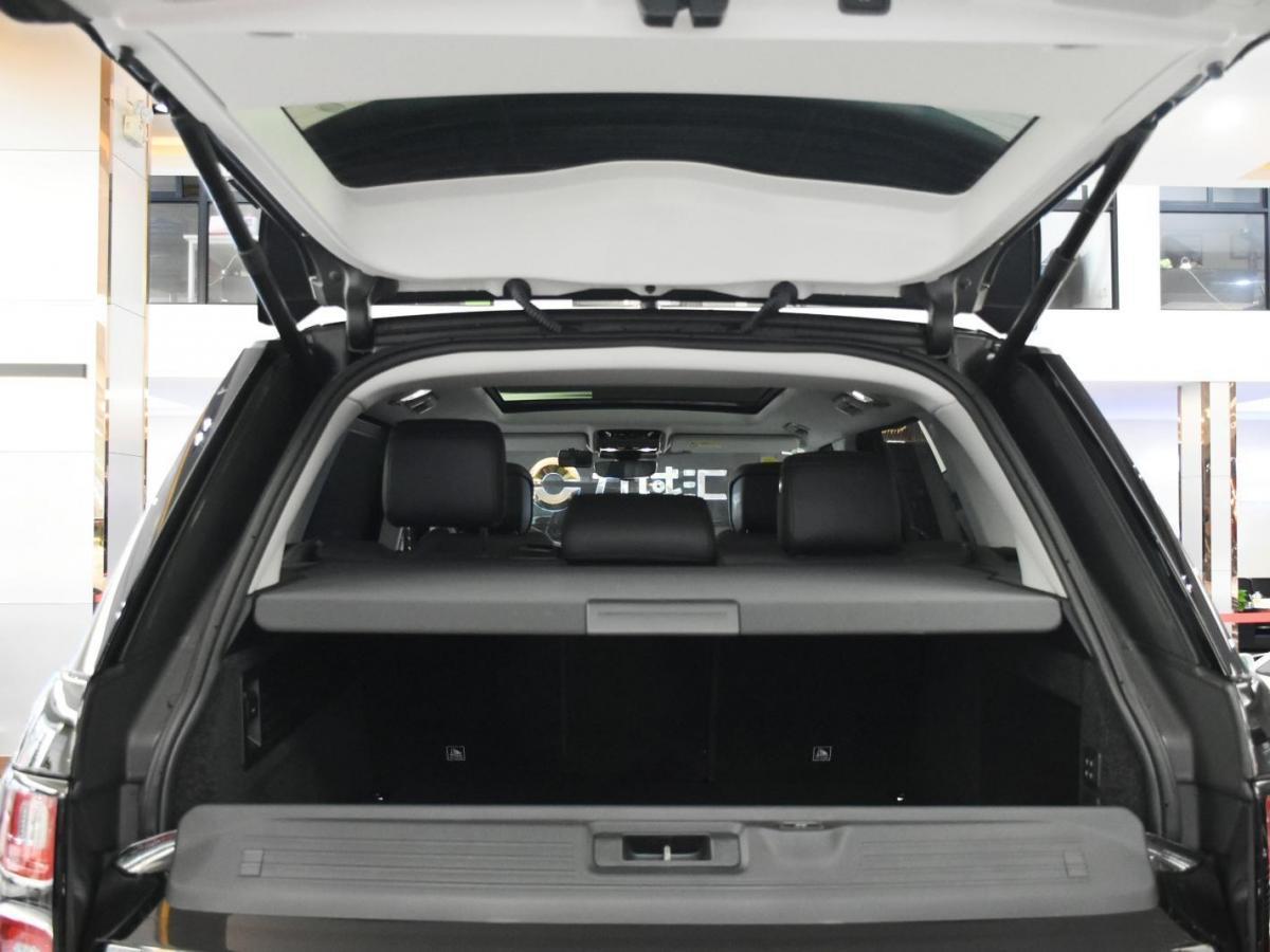 路虎 揽胜  2018款 3.0 V6 SC Vogue 传世加长版图片