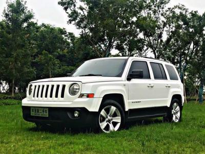 2012年8月 Jeep 自由客  2.4 豪华版图片