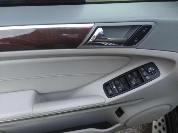 奔驰 GL级  GL450 4.7四驱尊贵型图片