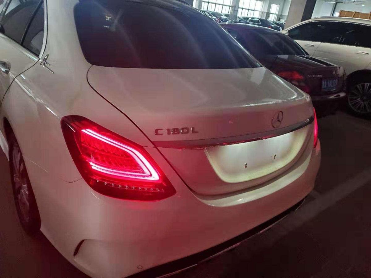 奔驰 奔驰C级  2019款 C 180 L 动感型运动版图片