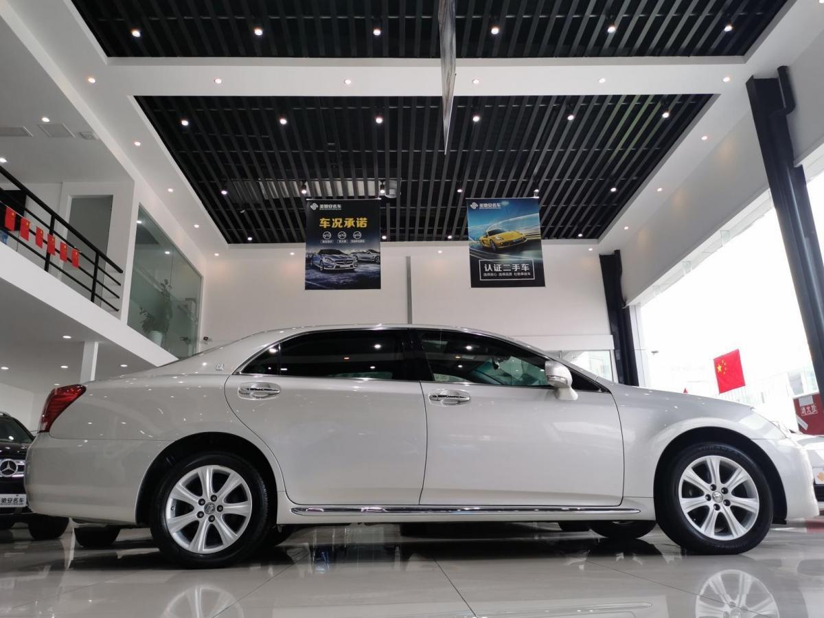 丰田 皇冠  2010款 3.0L Royal Saloon VIP图片