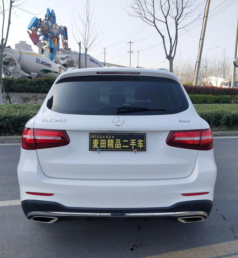 奔驰 奔驰GLC  2018款 改款 GLC 260 4MATIC 豪华型图片