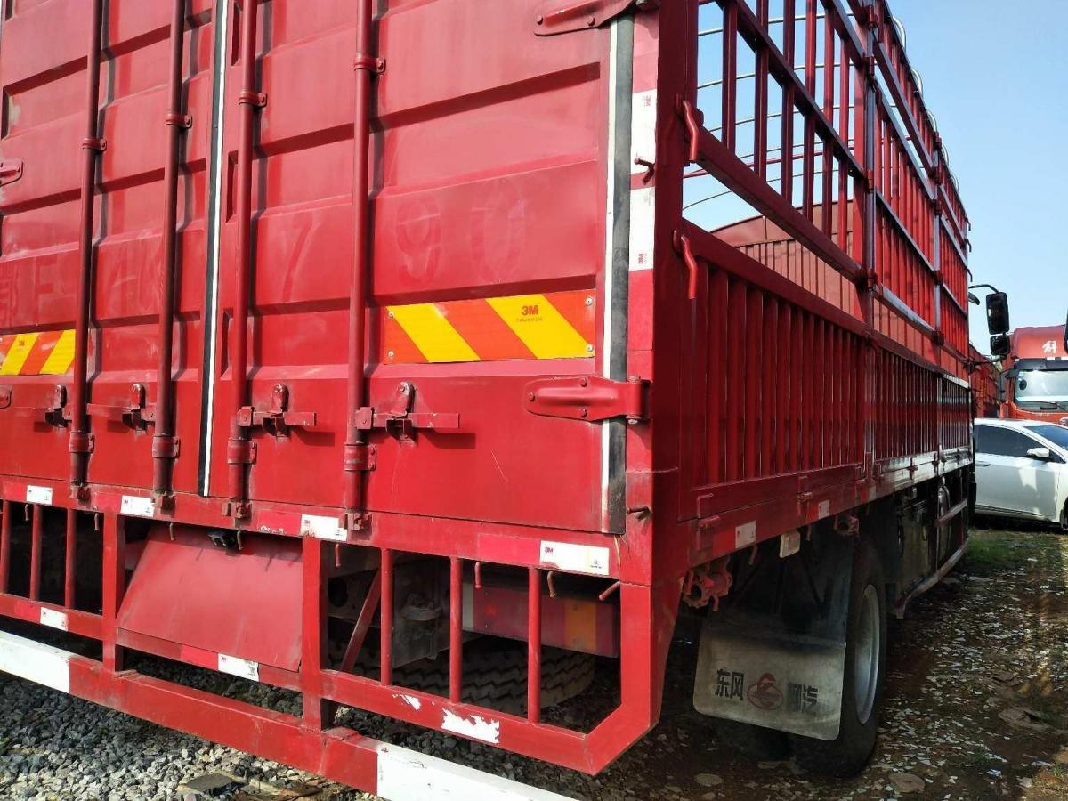 柳汽乘龙H5单桥货车,国五排放图片