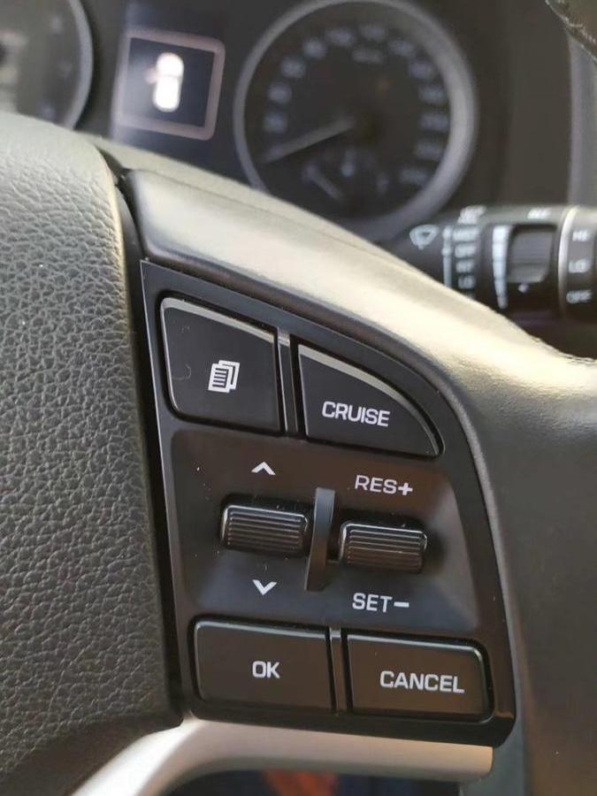 现代 途胜  2018款 1.6T 双离合两驱15周年特别版图片
