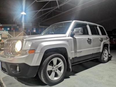 Jeep 自由客  2011款 2.4 运动版