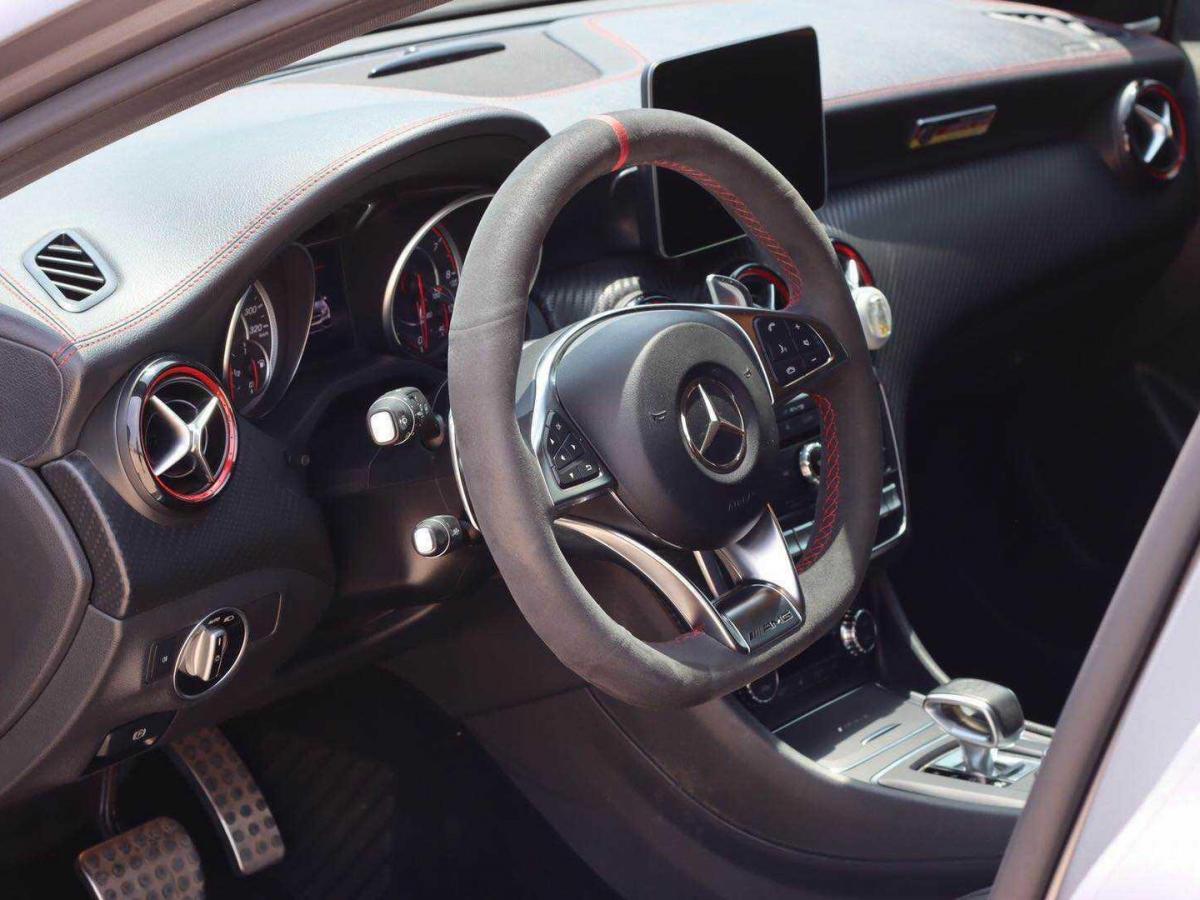 奔驰 奔驰A级AMG  2016款 AMG A 45 4MATIC 冠军版图片
