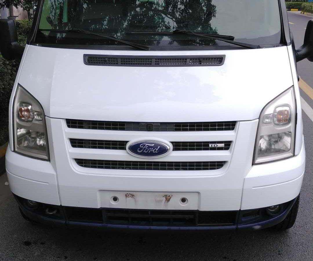 2011年10月 福特 新世代全顺 2.4T柴油多功能型加长轴中顶国III图片
