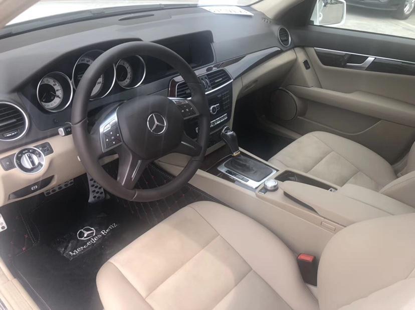 奔驰 奔驰C级  2013款 C 260 时尚型 Grand Edition图片