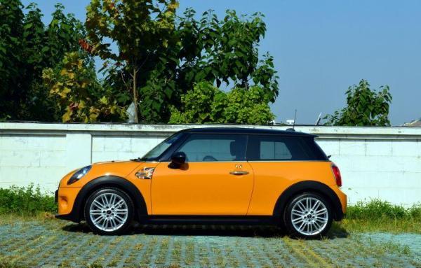 【青岛】2015年3月 mini mini cooper 1.5t fun 橙色 自动档图片