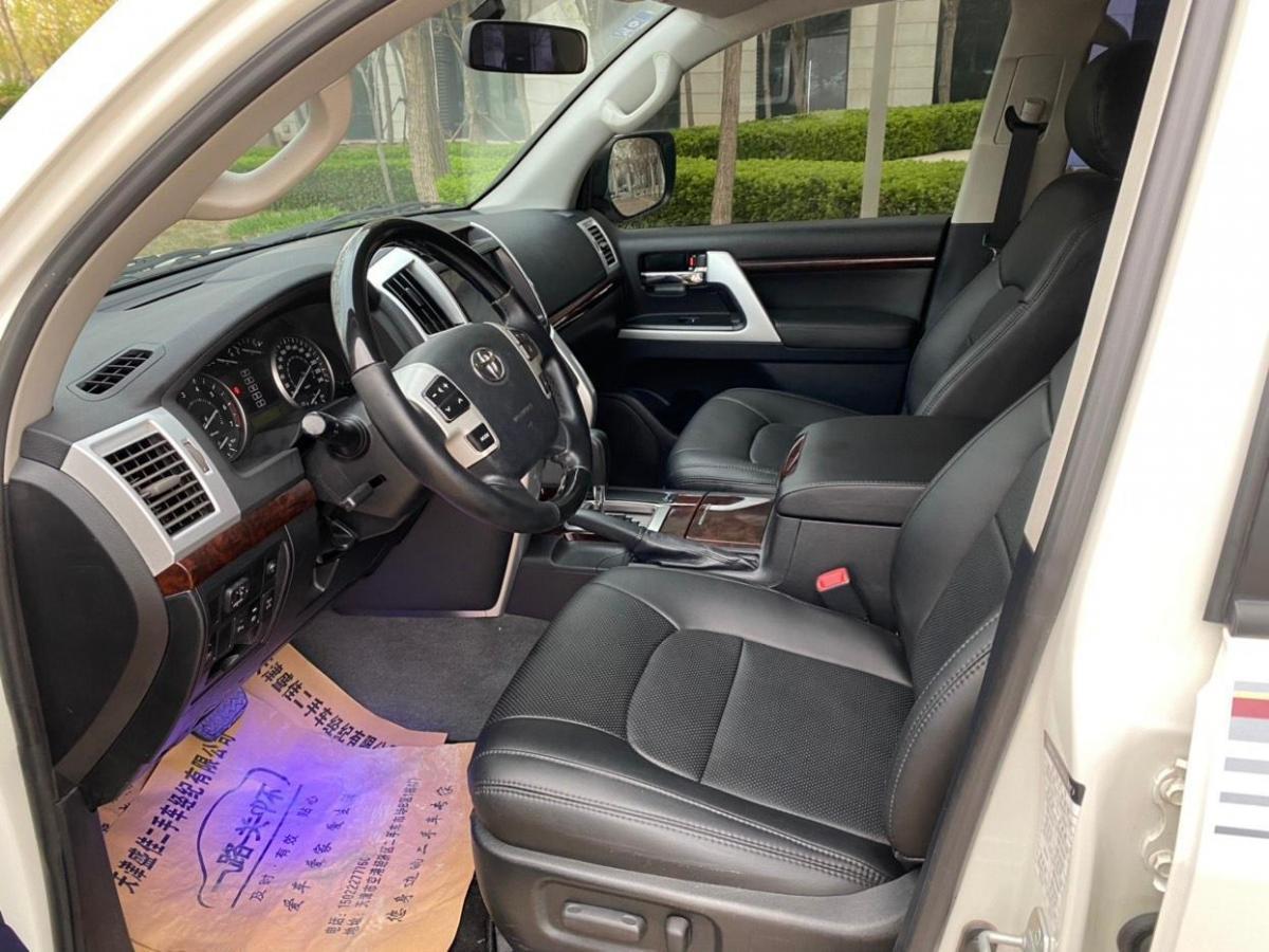 丰田 兰德酷路泽  2015款 4.0L V6 中东限量版图片