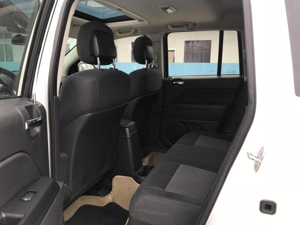 Jeep 指南者  2.0L 两驱运动版图片