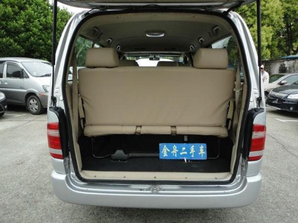 【上海】2011年3月 金杯 阁瑞斯 尊领 2.4 豪华型长轴9座 银灰 手动挡