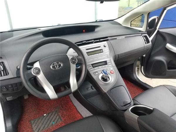 丰田 普锐斯  1.8L CVT标准版图片