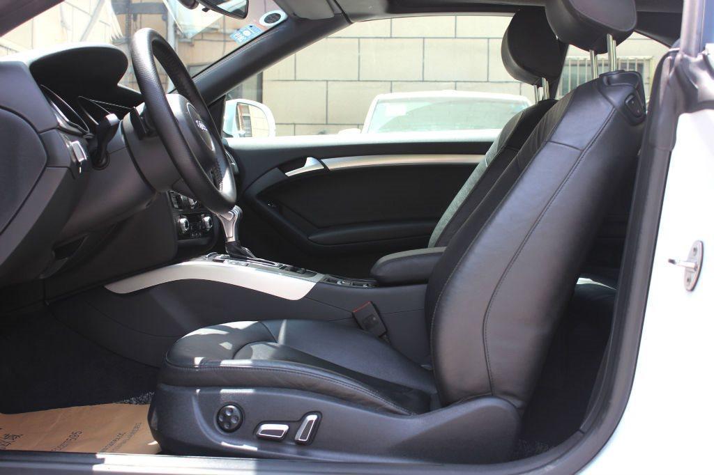 奥迪 奥迪A5  2013款 A5 Cabriolet 2.0T FSI 40 TFSI 风尚版图片