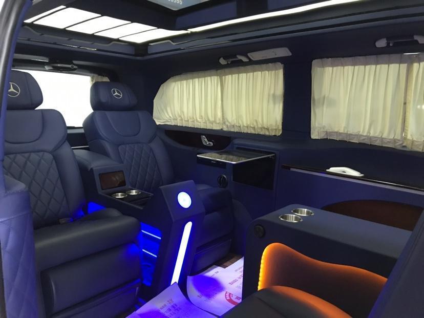 奔驰 威霆  2016款 2.0T 精英版图片