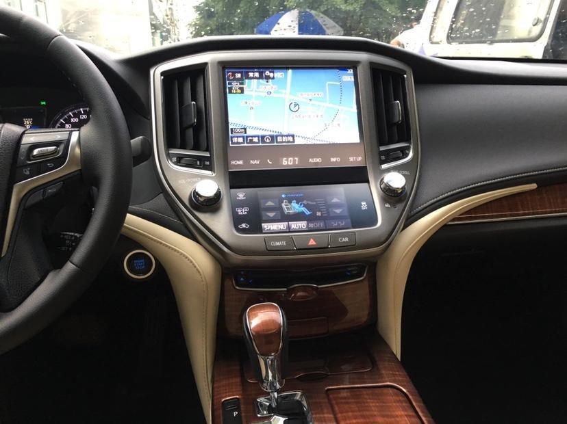 丰田 皇冠  2015款 2.5L 尊享版图片