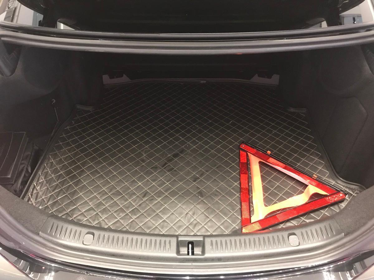 奔驰 奔驰E级  2018款 改款 E 300 L 时尚型图片