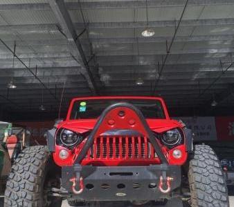Jeep 牧马人  2.8 TD 四门版 Sahara图片