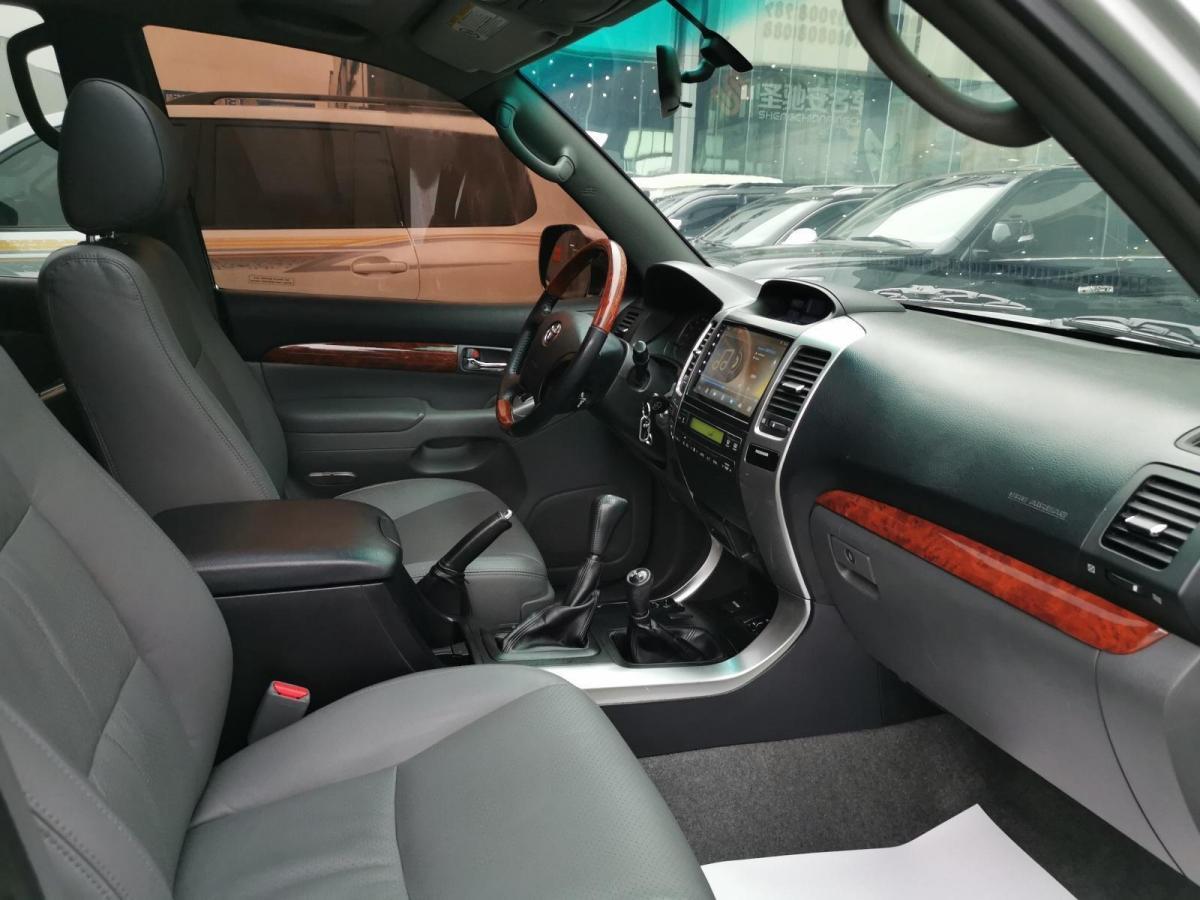 丰田 普拉多  2010款 中东版图片