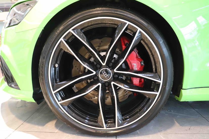 奧迪 奧迪RS 6  2018款 RS 6 4.0T Avant尊享運動限量版圖片
