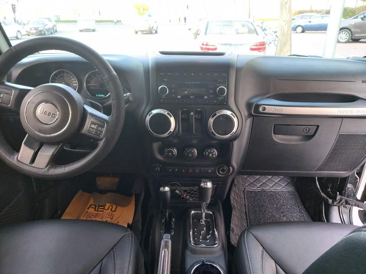 Jeep 牧马人  2013款 3.6L Rubicon 两门版图片