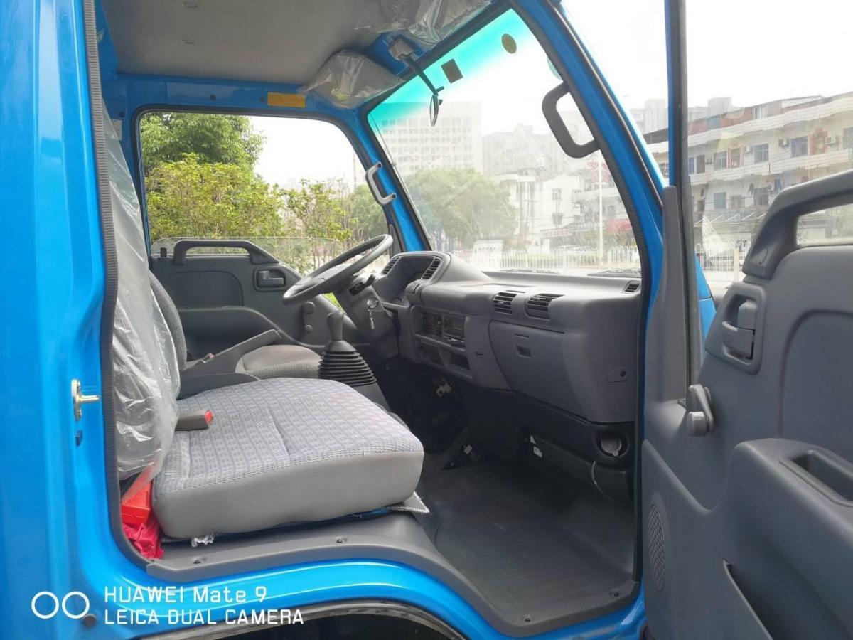 五十铃 皮卡  2009款 3.0T两驱 基本型厢车4KH1-TC1图片