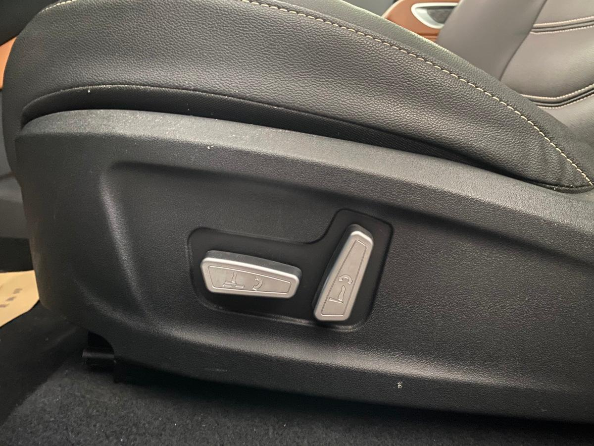众泰 T300  2017款 1.5T 手动尊贵型图片