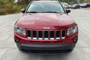2013年1月 Jeep 指南者  2.0L 两驱运动版图片