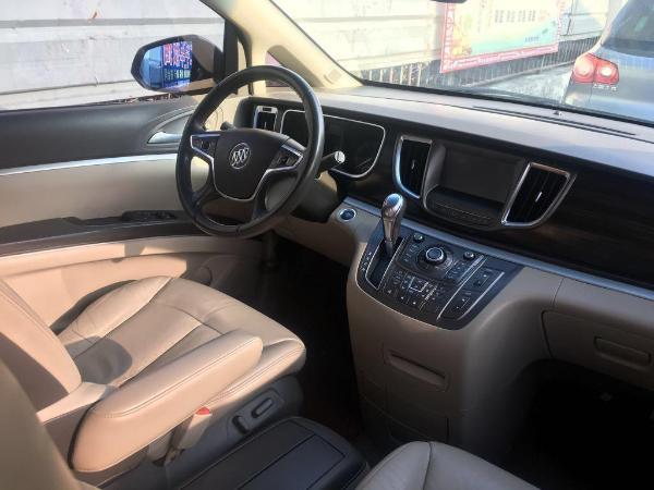 别克 GL8  豪华商务车 3.0 XT旗舰版图片
