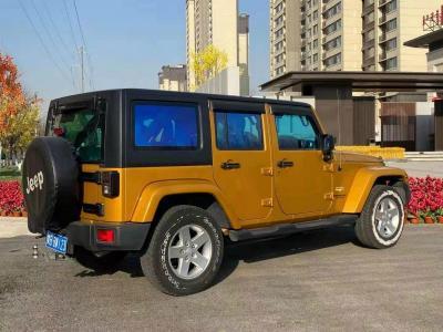 Jeep 牧马人  2015款 2.8TD Sahara 四门版图片