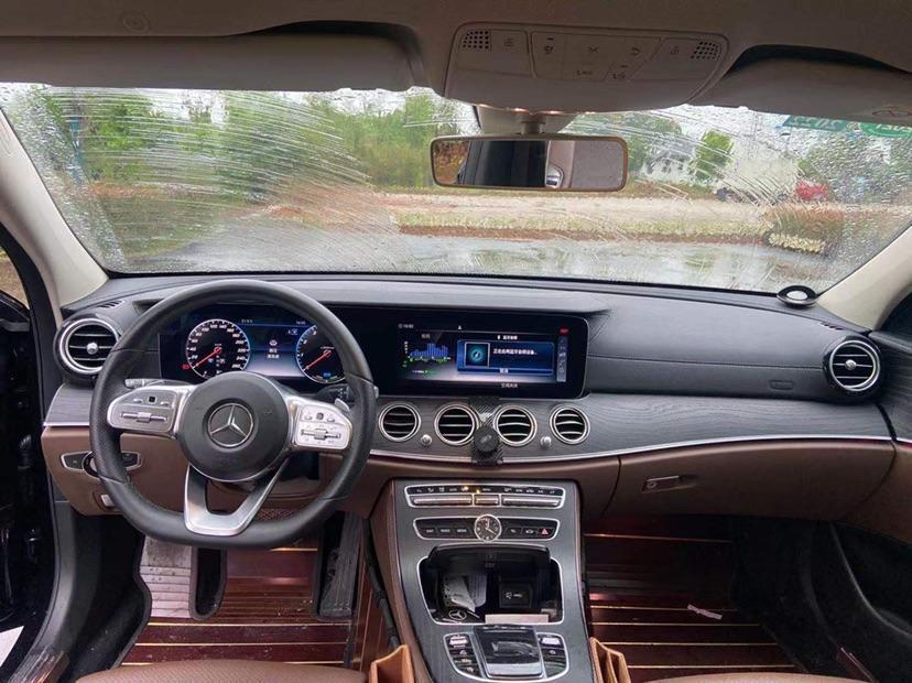 奔驰 奔驰E级  2019款 E 260 L 4MATIC图片