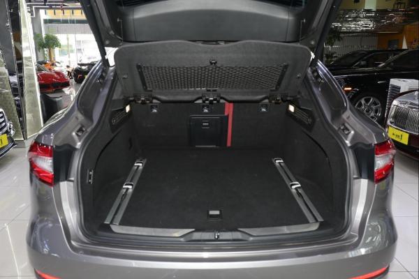 玛莎拉蒂 Levante  3.0T 低功率版 双涡轮增压图片
