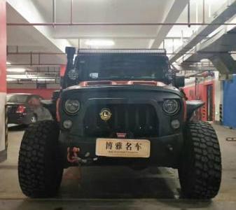 Jeep 牧马人  2.8TD 四门版Sahara图片