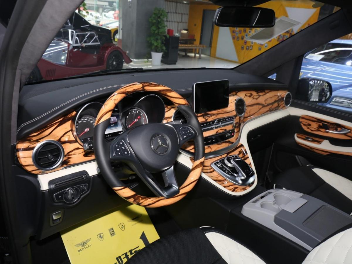 奔驰 V级 V250 2.0T 尊贵版图片