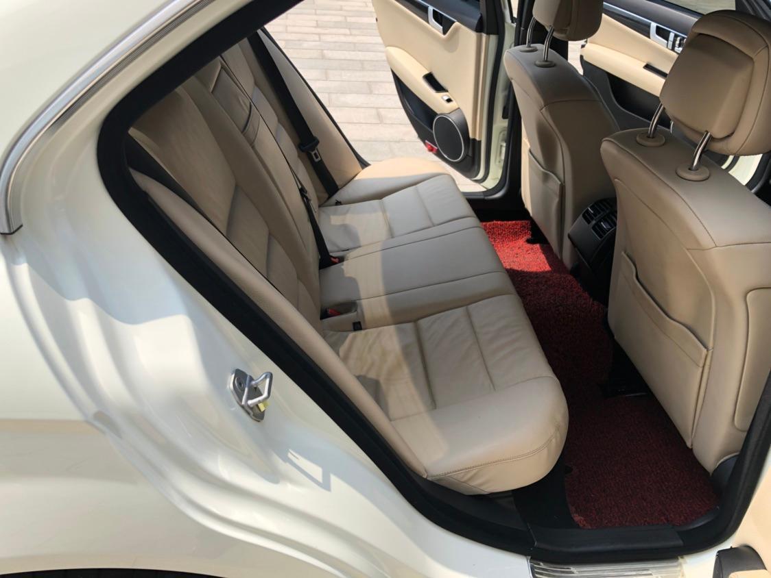 奔驰 奔驰C级  2013款 C260 CGI 1.8T 时尚型图片