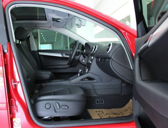 奥迪 奥迪A3  A3 Sportback 1.8T 尊贵型图片