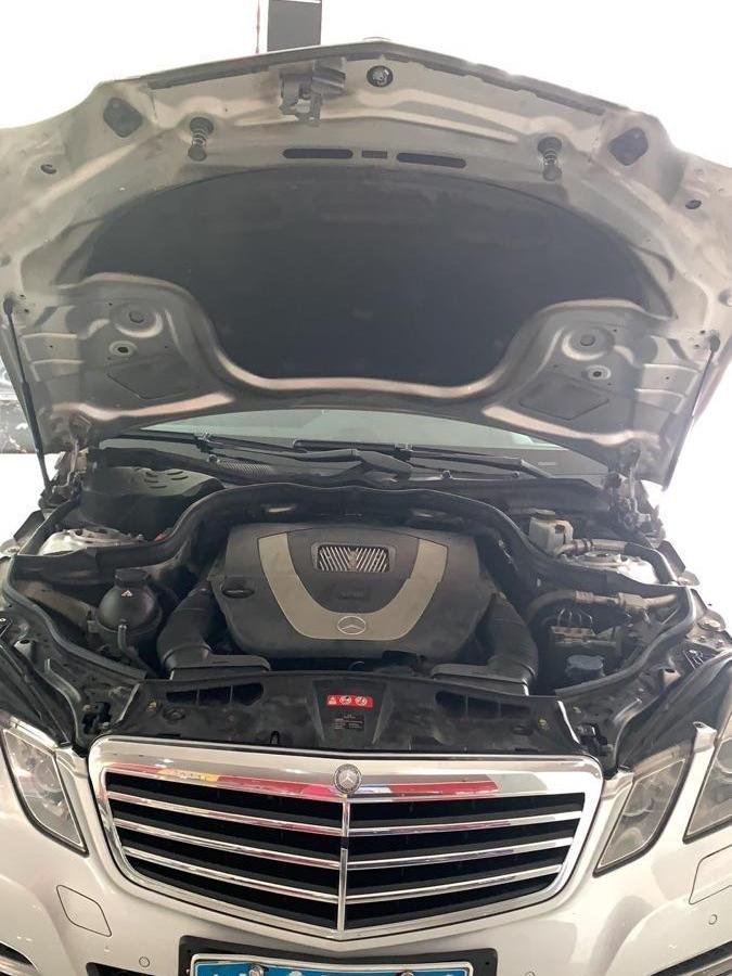 奔驰 奔驰E级  2011款 E300L 3.0L 时尚豪华型图片