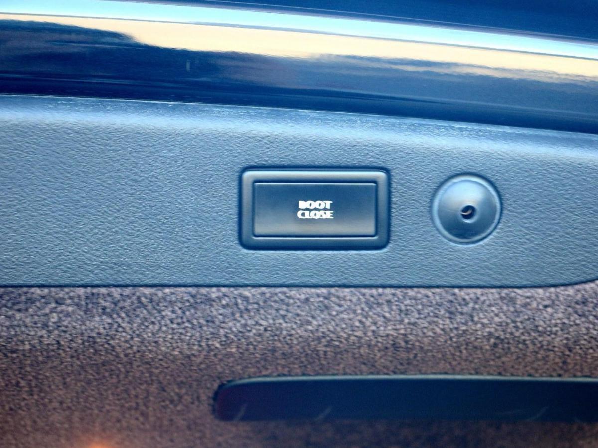 宾利 飞驰  2012款 W12 6.0T 限量版图片